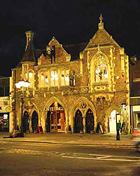 Berkhamsted Town Hall at night